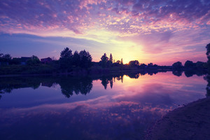 storyblocks-dawn-over-the-lake-early-in-the-morning_rUQh9OnD1G_thumb